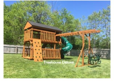 Standard Treehouse Deluxe - Canyon Brown Stain - Green Accessories